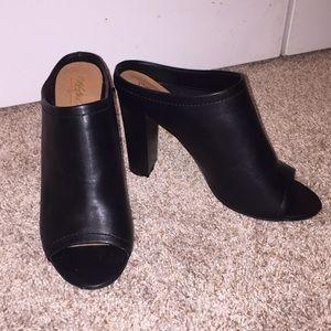 Black open toe mules (LIKE NEW)